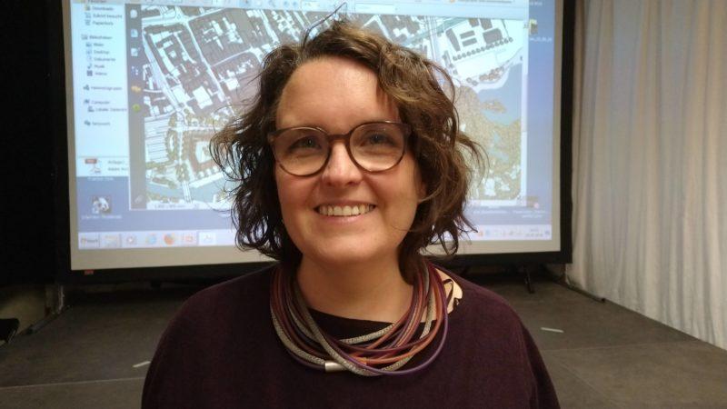 Frau Klein-Hitpaß von der Agora Verkehrswende
